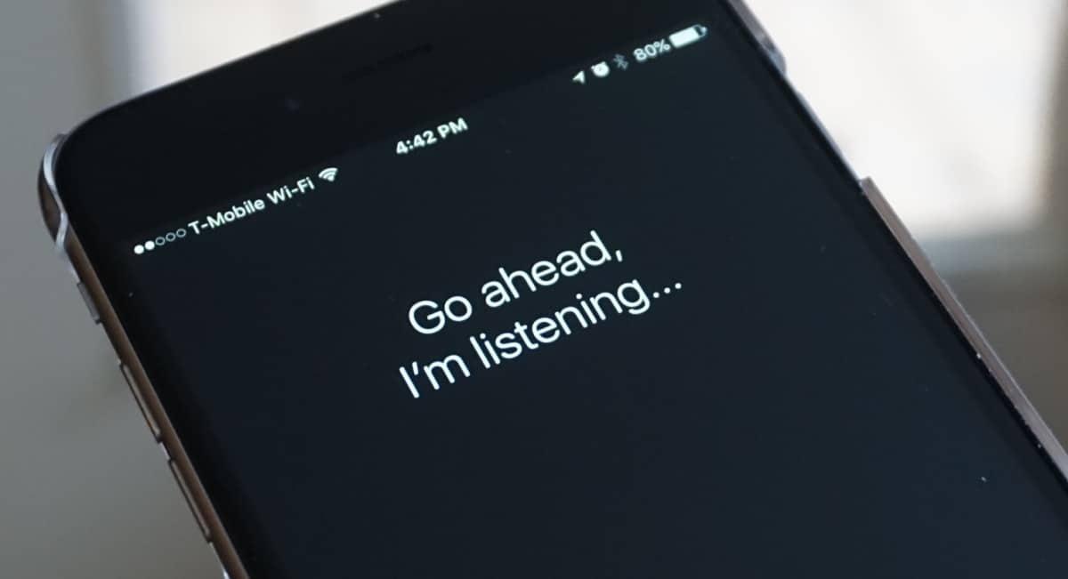 Apple-Siri Ads